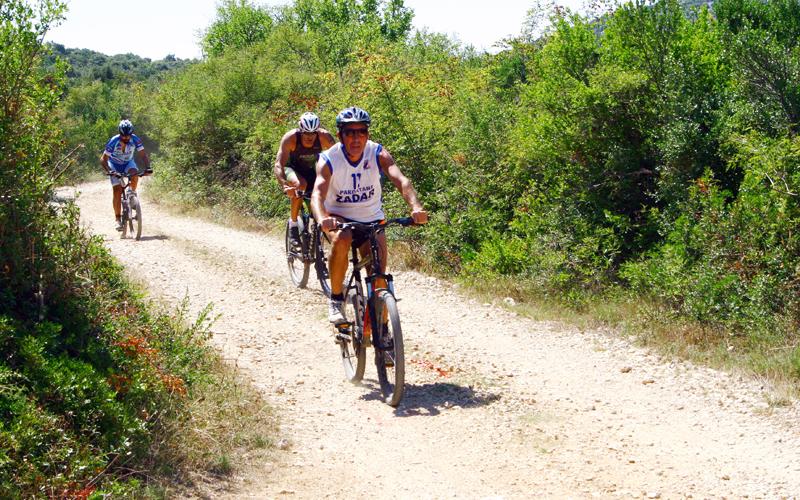 biciklista na web lokacijama za upoznavanje